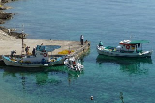 location daidalos hotel ikaria boats